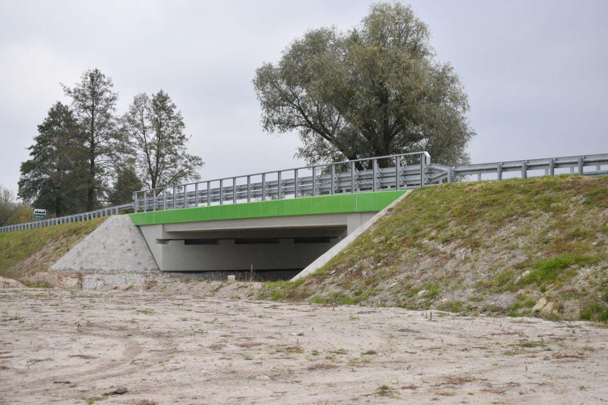 Gmina Skierbieszów z przebudowanym mostem w Zawodzie i nowymi nawierzchniami asfaltowymi
